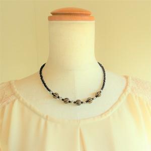 カットガラス(ブラック)×アクリル樹脂ネックレス