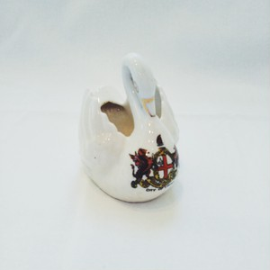 vintage crested china - Swan Objet