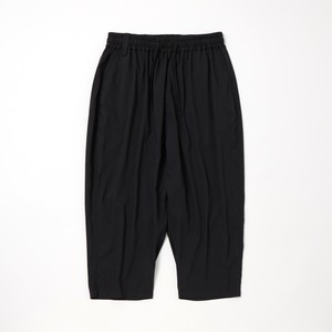 THREE QUARTER TAPERED SAROUEL PANTS -BLACK