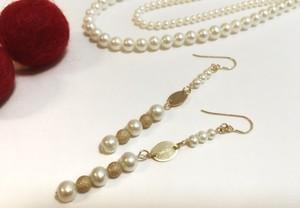 2種類の真珠にゴールドを合わせた高級感のあるピアス【送料無料】