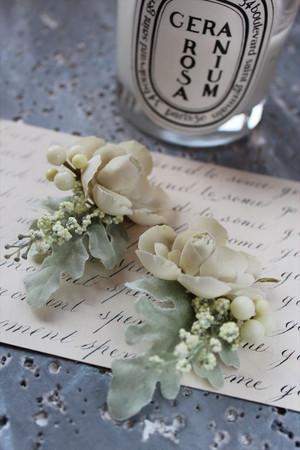 フレンチシャビーな薔薇のボタニカルピアス