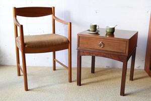 1950~60年代 イギリス G-PLAN ヴィンテージ ベッドサイドテーブル キャビネット