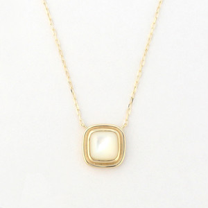 Mother of pearl square necklace