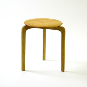 LISCIO スタックスツール(wood) (座面:チェリー, 脚:オーク)