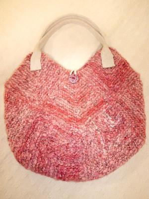 ピンクのドミノ編みBAG