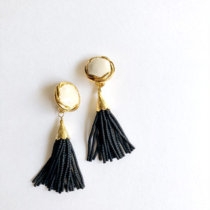 creamtop tassel earrings*