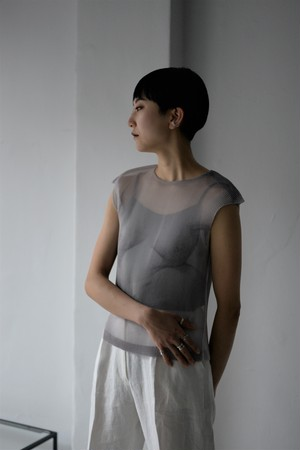 YOHEI OHNO / cropped body pleats top (white)