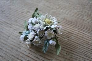 アンティーク色マーガレット布花ブローチ