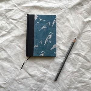 世界のプリントペーパーを使ったノート ネパールのとり模様