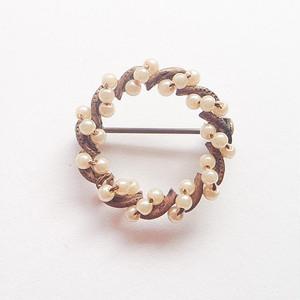 pearl circle brooch[b-167]