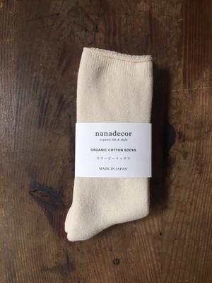 nanadecor スリーピーソックス