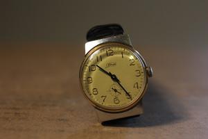 ソ連 ZIM社製古い時計