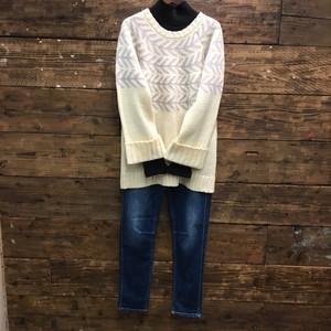 長め丸首セーター