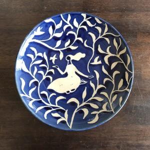 お皿(女の子と鳥と森)