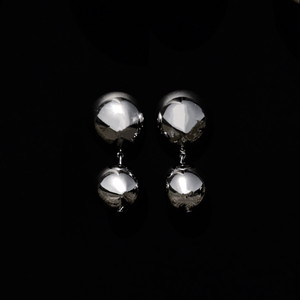 Hemispherical ball earrings