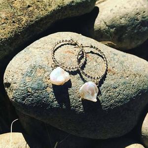 baroque pearl around hoop pierce