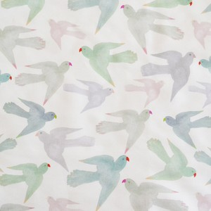 < Pastel Parrots > カットクロス生地 45cm x 67cm