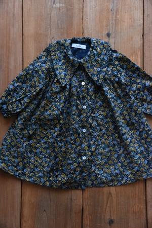 小花柄コーデュロイ大きな襟のワンピース