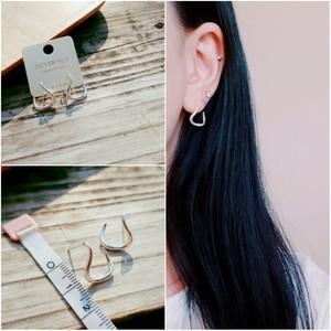 即納 送料無料 ピアス シルバー925 silver925 カーブ ひねり フープピアス 個性的 人気 韓国ファッション パーティーアクセサリー オルチャン juju-p0002