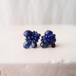 【天然石の刺繍ピアス】blue sapphire × lapis lazuli