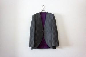 【№10】ミニマルなストライプスーツ。