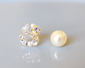 【S】Initial bijou pierce/earring