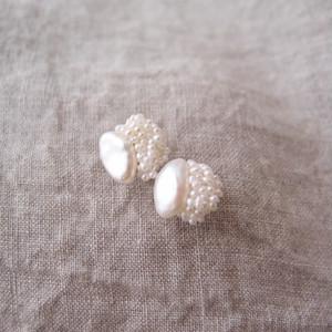 【真珠の刺繍ピアス】petit baroque × seed pearl