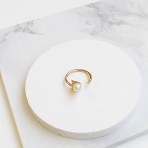 ■solid pearl ring -triangle / gold-■ ソリッドパールリング トライアングル ゴールド