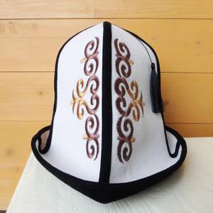 キルギス*カルパック帽