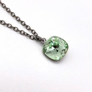 ネックレス 一粒石 クリスタル KRiKOR ドイツ製 ライトグリーン