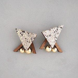 pierced earrings C-P32/earrings C-E32<gold>