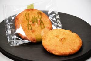 堅焼醤油煎餅