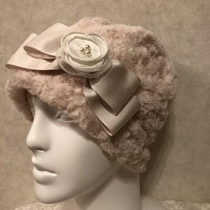フワフワモコモコ♡トルネードファーのケア帽子 アイボリー チュールのお花
