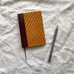 世界のプリントペーパーを使ったノート ネパールとイタリアとアメリカ、赤系