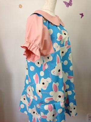 うさぎのアリス ピンクをプラスしたふんわり可愛い丸襟ワンピース 半袖