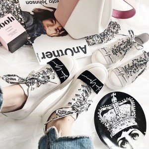【即納】design label sneaker