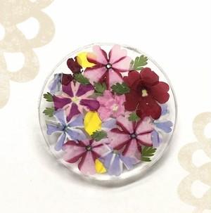 花のブローチ(丸型)