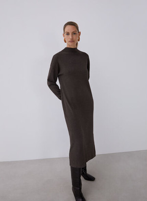 WIDE DRESS IN THICK-STRETCH KNIT