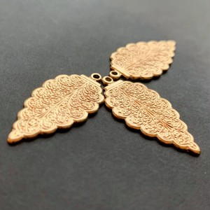 USA真鍮シンプル1枚葉チャーム