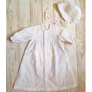 真っ白な刺繍レース素朴なベビードレス