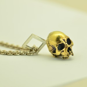 solid skull charm.4