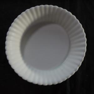 白磁輪花盛鉢