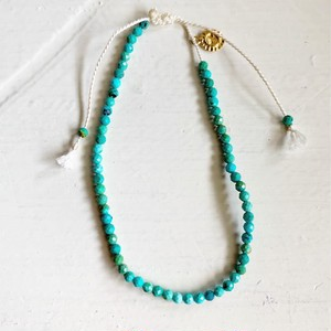 Cut beads turquoise bracelet