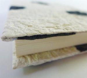 本の着物!もみ紙ブックカバー(黒の水玉)