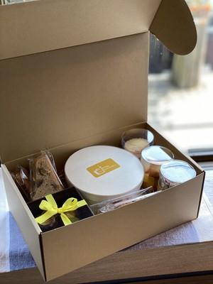 焼き菓子とケーキ ギフトボックス オマージュ