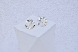 Frill / Crip-on or Pierced earrings  イヤリング or ピアス