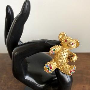 宝石熊のブローチ