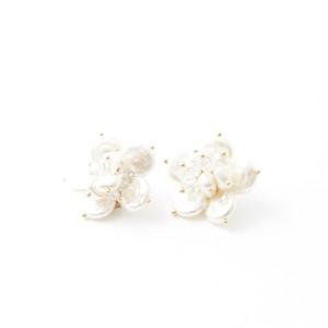 再々入荷‼︎ flower  pearl ピアス