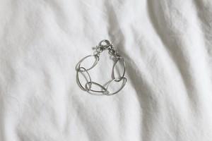 twist oval hoop bracelet