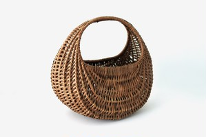 antique french willow basket / フランスの柳のかご